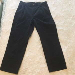 EUC Tommy Hilfiger Navy Pleated Chinos 35/30